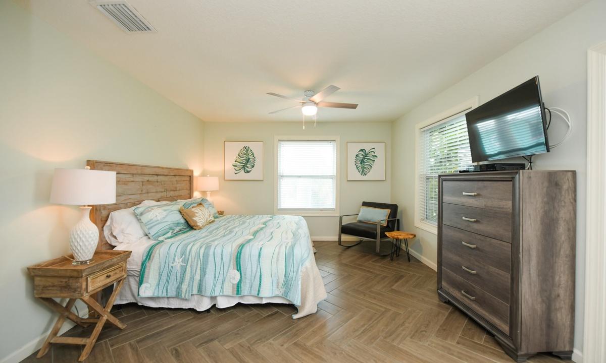 Bedroom 3 (Master), Bimini Breeze - AMI Locals