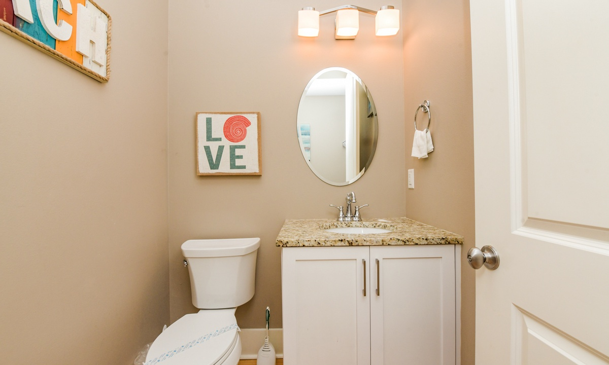 Half Bathroom Main Level, Coconut Cove - AMI Locals