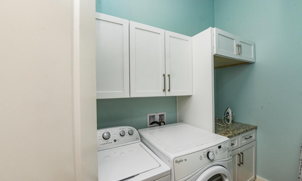 Laundry Room, Coconut Cove - AMI Locals