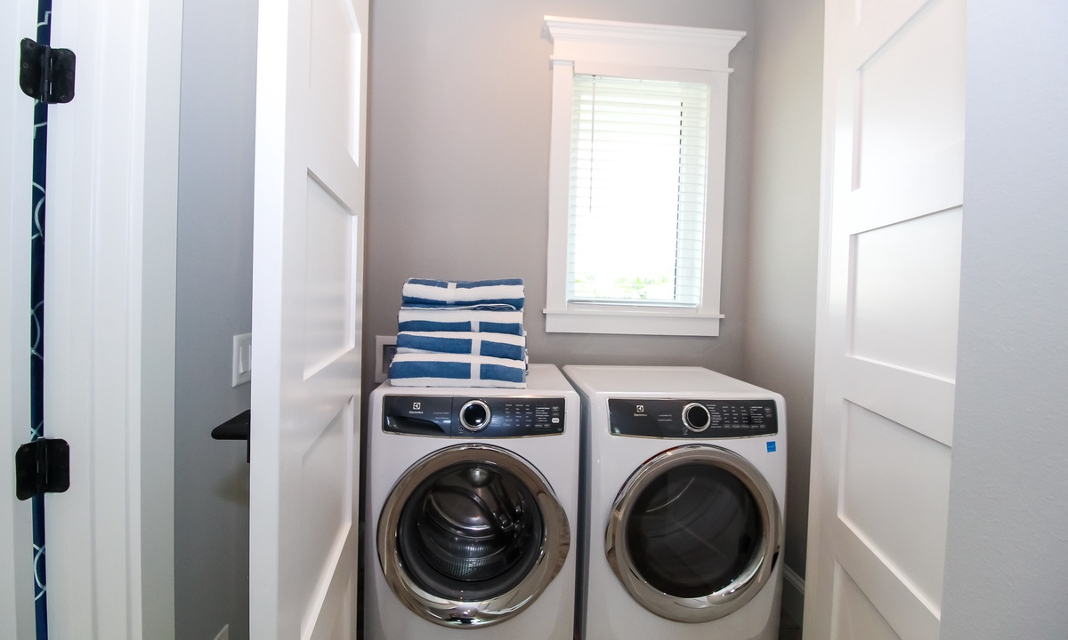 Laundry Room with Washer and Dryer, Anchors Away - AMI Locals