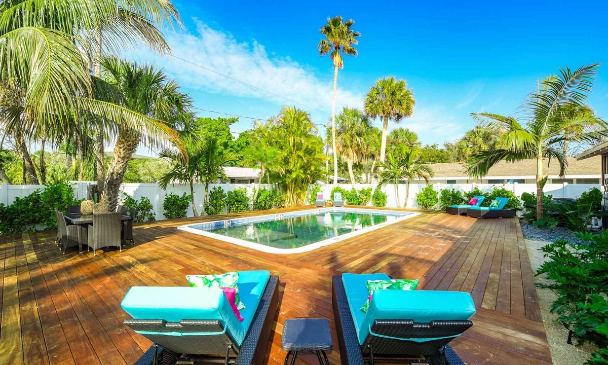 Pool deck, Villa Shrimp at Islands West Resort - AMI Locals