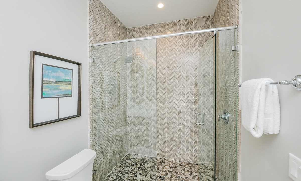 Ensuite Bathroom to Bedroom 1, Bay View Beauty - AMI Locals
