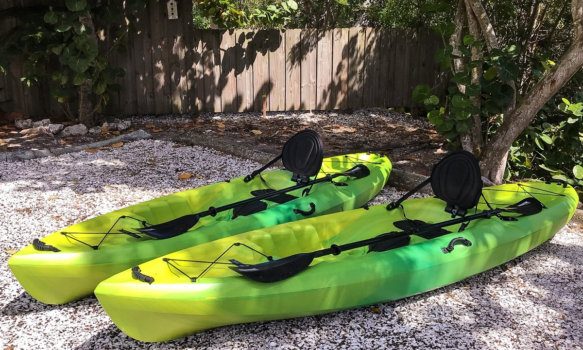 Kayaks for guest use, Dockside Paradise - AMI Locals