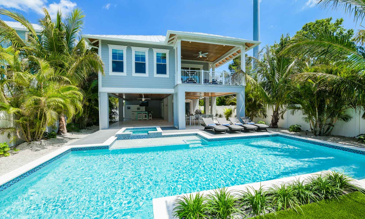 Pool, Anna Maria Beach House - AMI Locals
