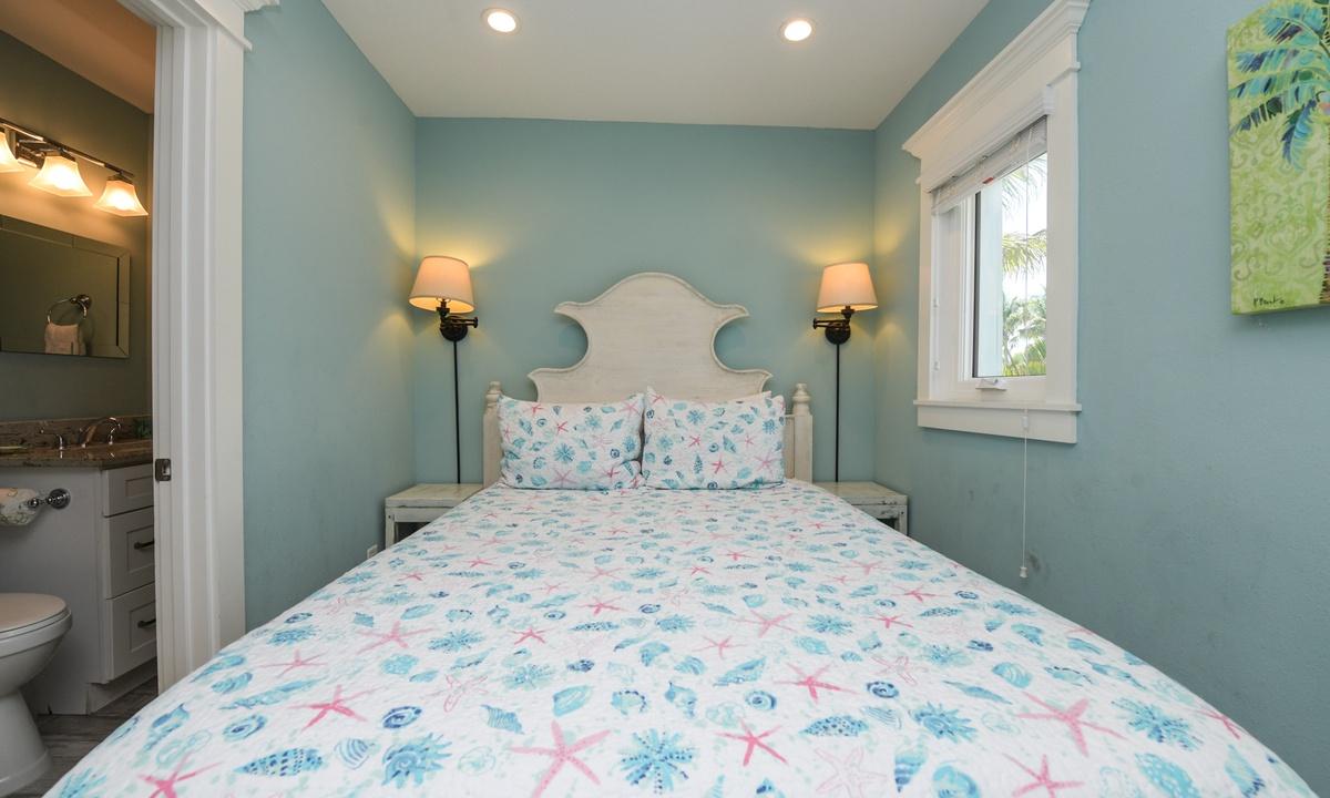 Master Bedroom, Bayside Cutie - AMI Locals