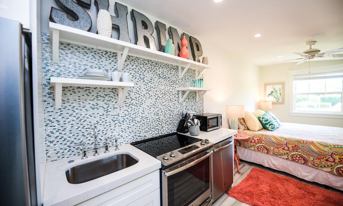 Kitchenette, Villa Shrimp - AMI Locals