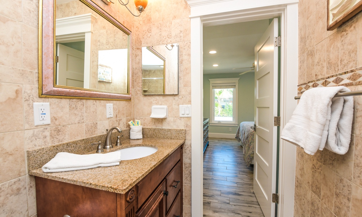 Ensuite Master Bathroom, Barefoot by the Bay - AMI Locals
