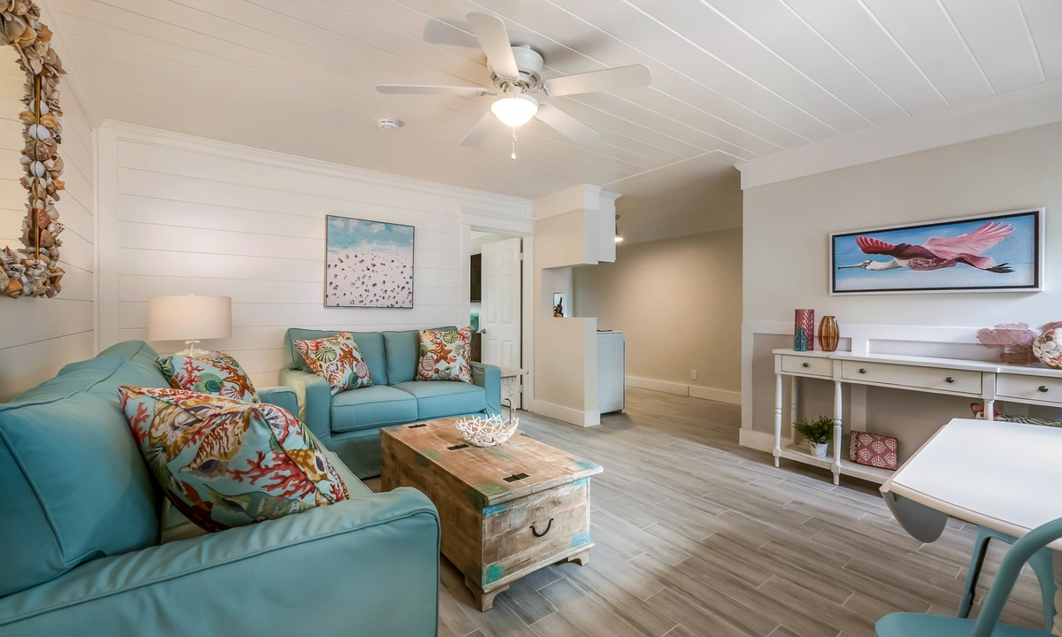 Spoonbill Suite at Driftwood - AMI Locals