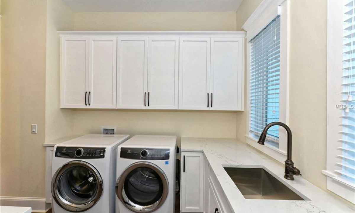 Laundry Room, Seascape - AMI Locals