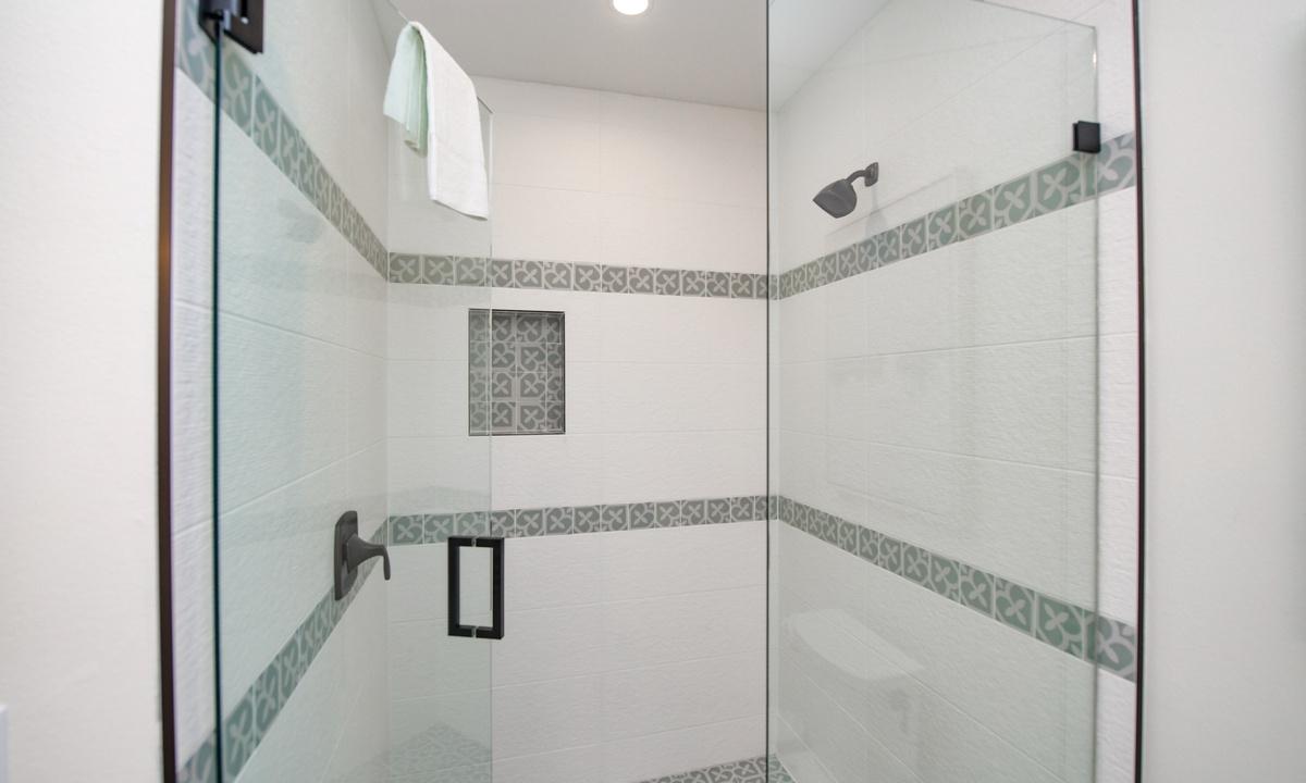 Ensuite Bathroom to Bedroom 2, Sea Forever - AMI Locals