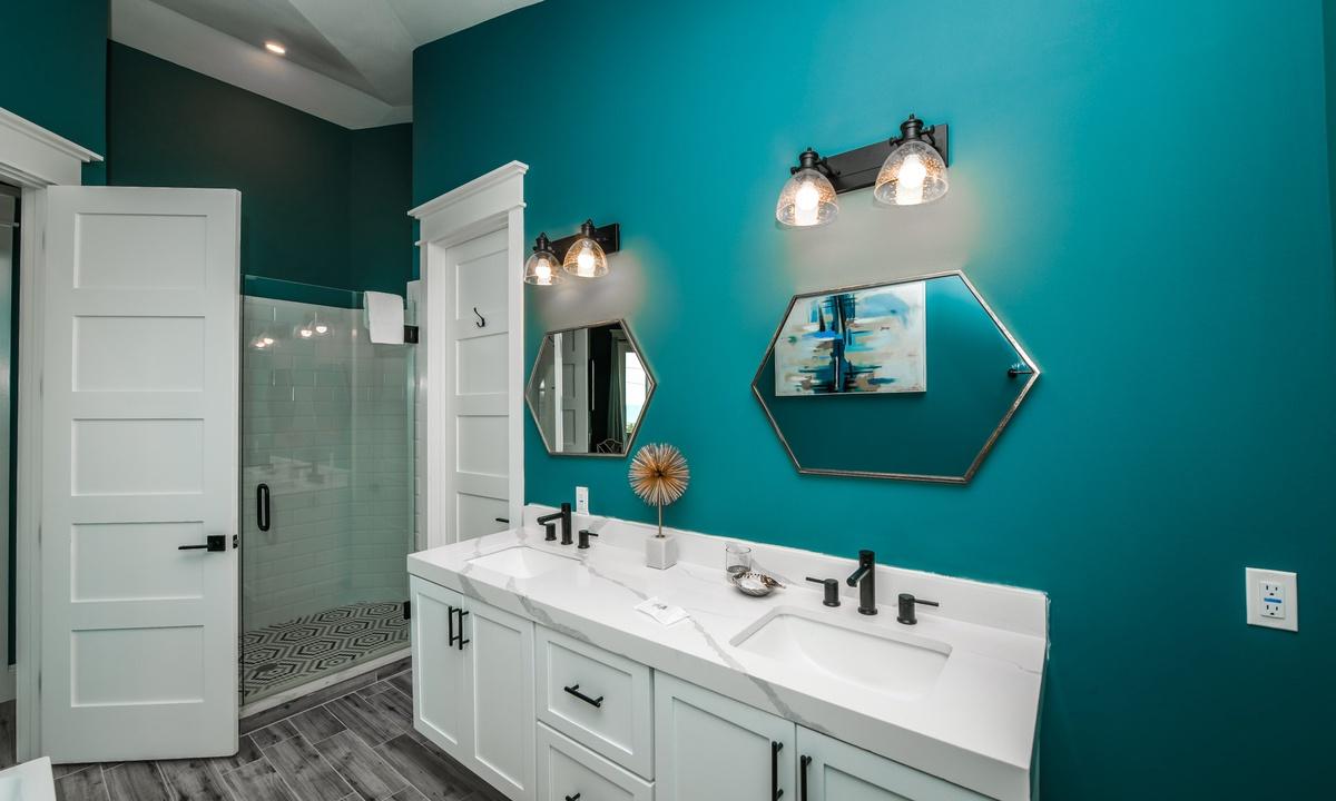Ensuite Master Bathroom, Gulf Horizons - AMI Locals