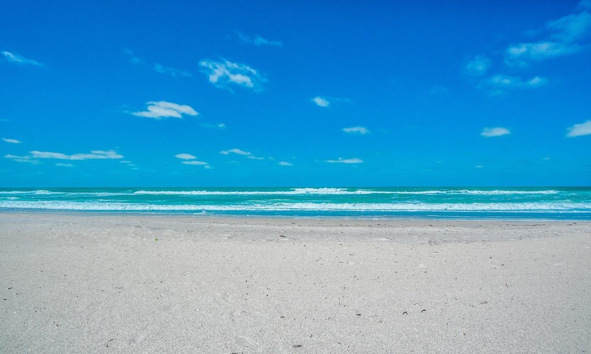 Bradenton Beach Club 232 - AMI Locals