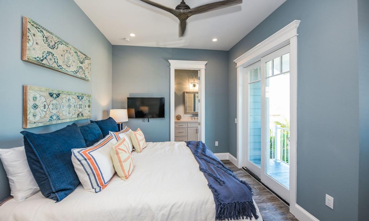Bedroom 3, Beachfront Paradise - AMI Locals
