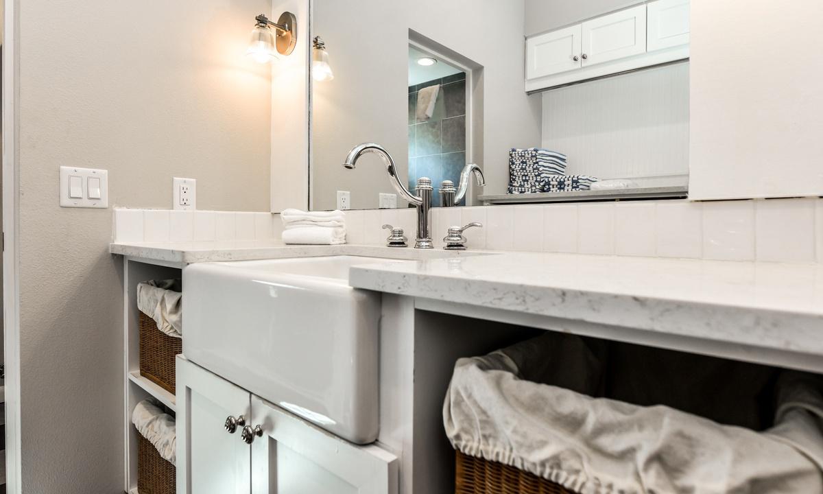Laundry Room, Castaway Cove - AMI Locals