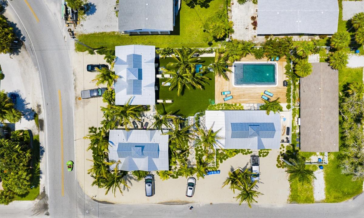 Villa AMI Lemonfish - AMI Locals