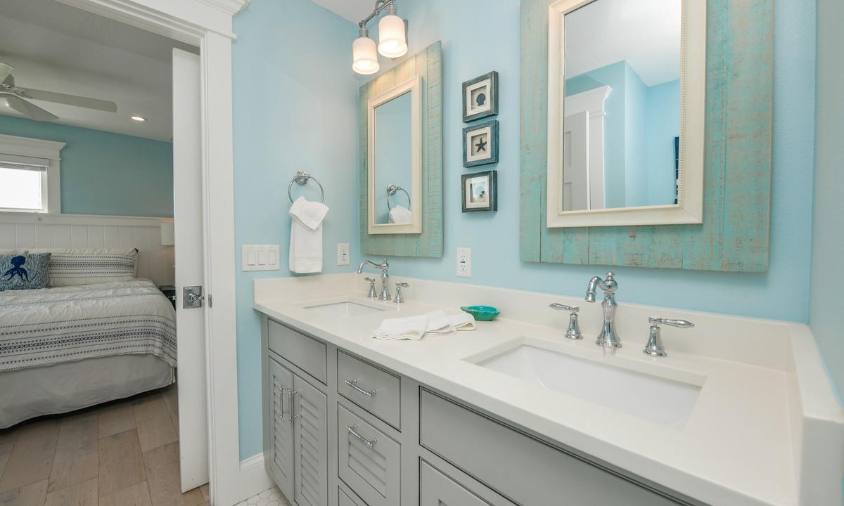 Ensuite Bathroom, Bay View Beauty - AMI Locals