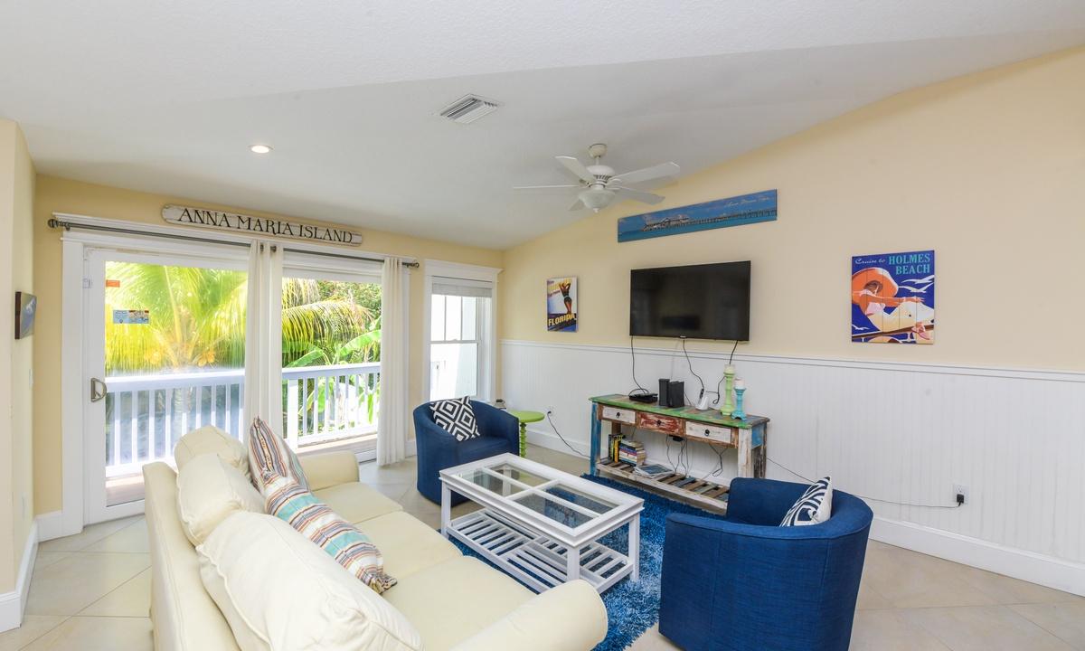 Living Room, Sea Breeze - AMI Locals