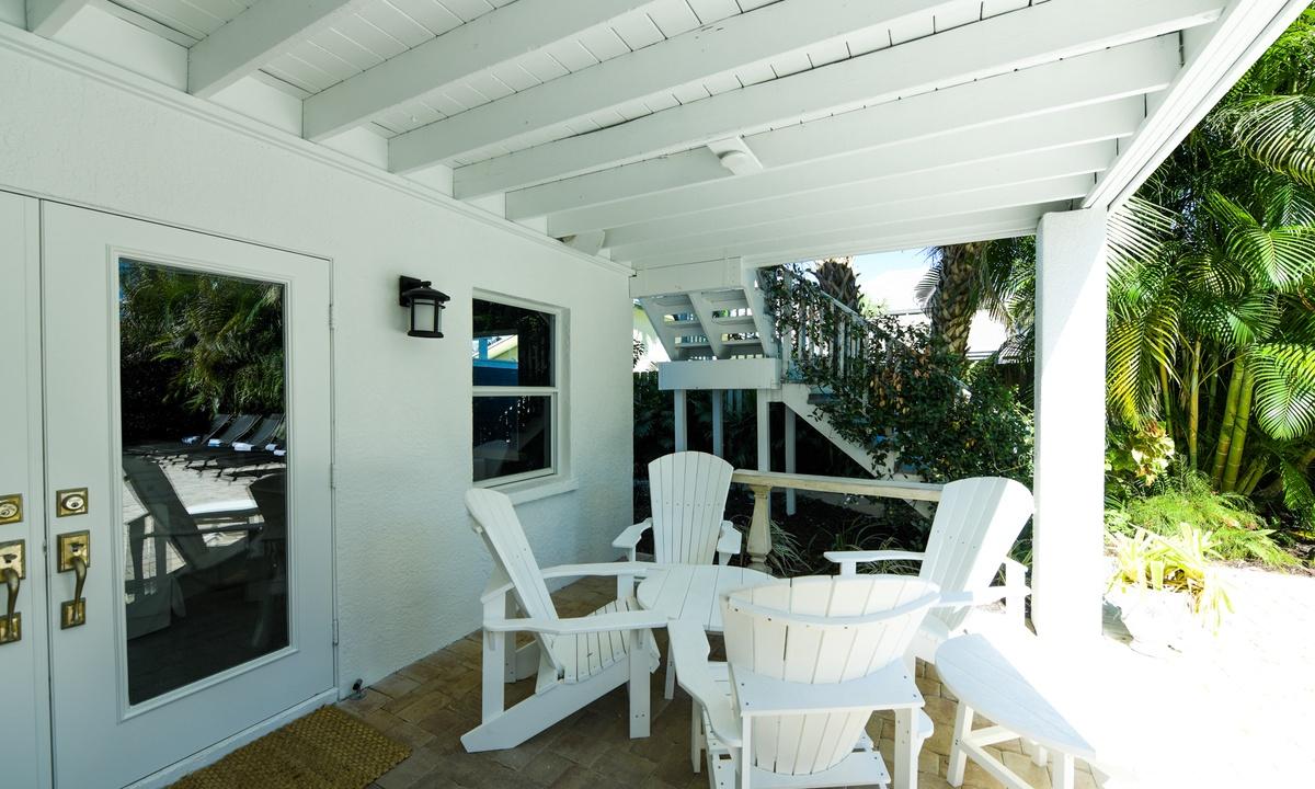 Outdoor Patio, Castaway Cove - AMI Locals