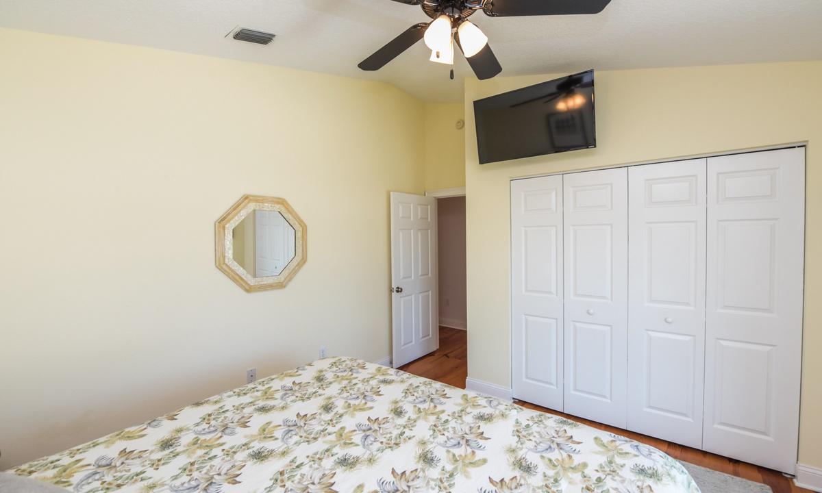 Bedroom 2 - Good Vibrations, AMI Locals