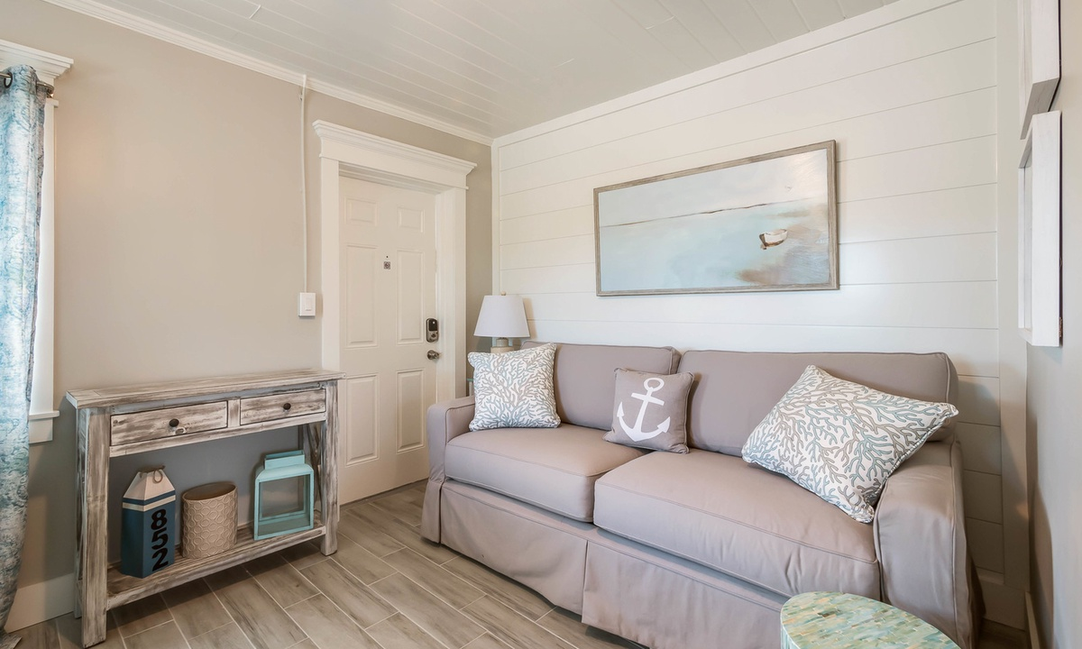 Queen Sleeper Sofa, Sandpiper Suite at Driftwood - AMI Locals