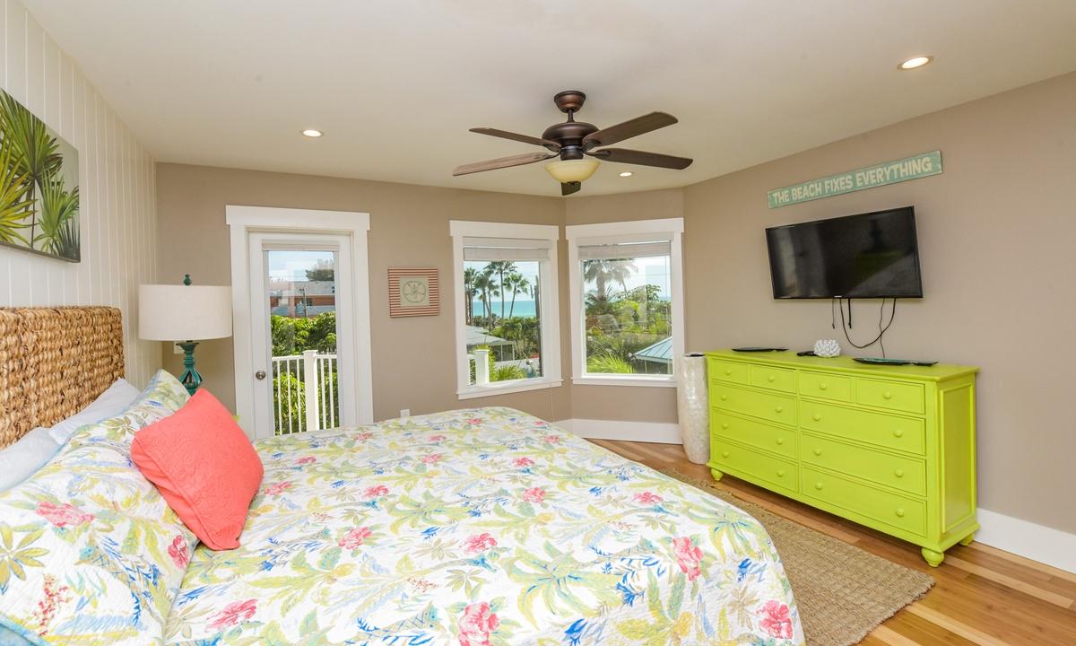 Bedroom 4 (Master), Coconut Cove - AMI Locals