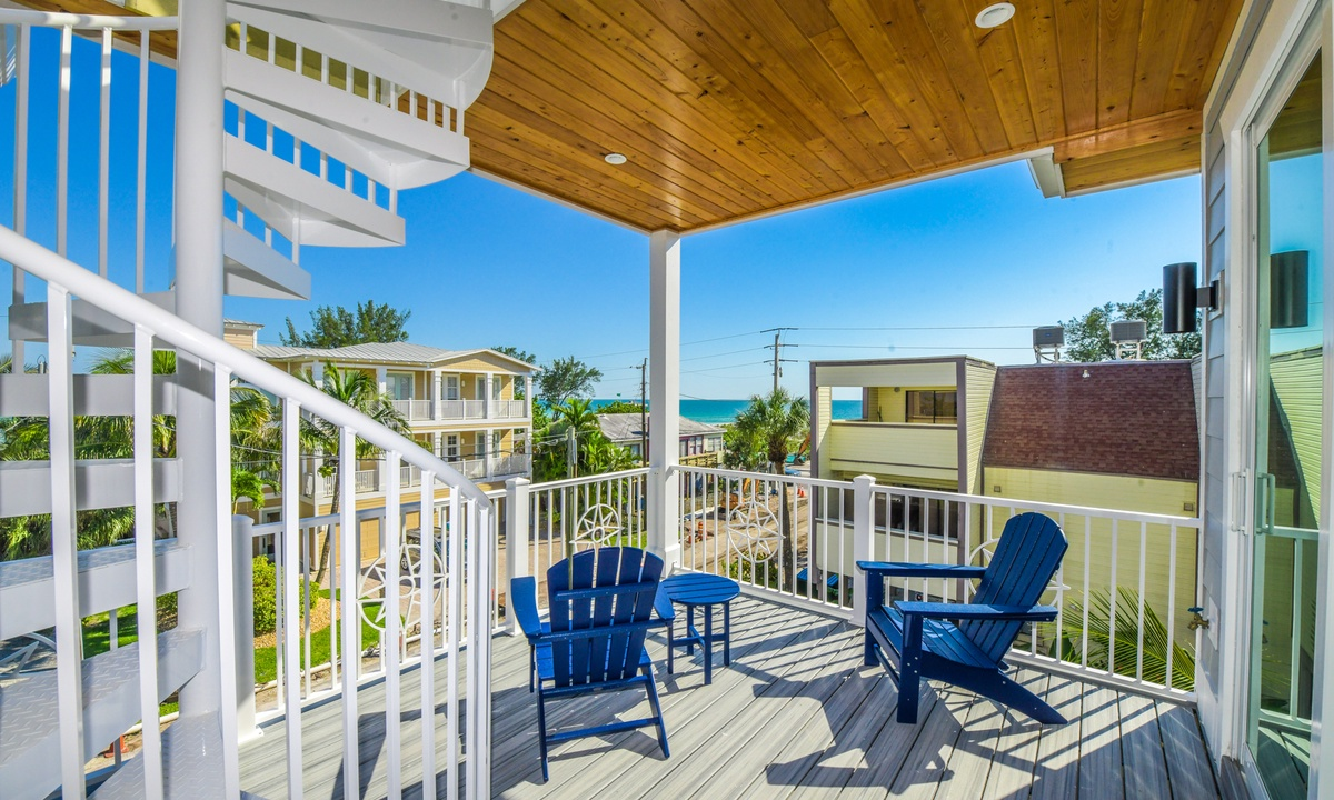 Deck with Rooftop Access, Aqua Paradise - AMI Locals