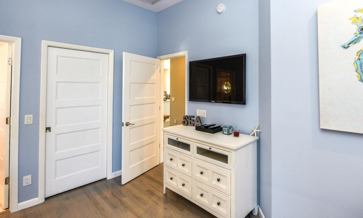 Bedroom 1 (Master), Castaway Cove - AMI Locals