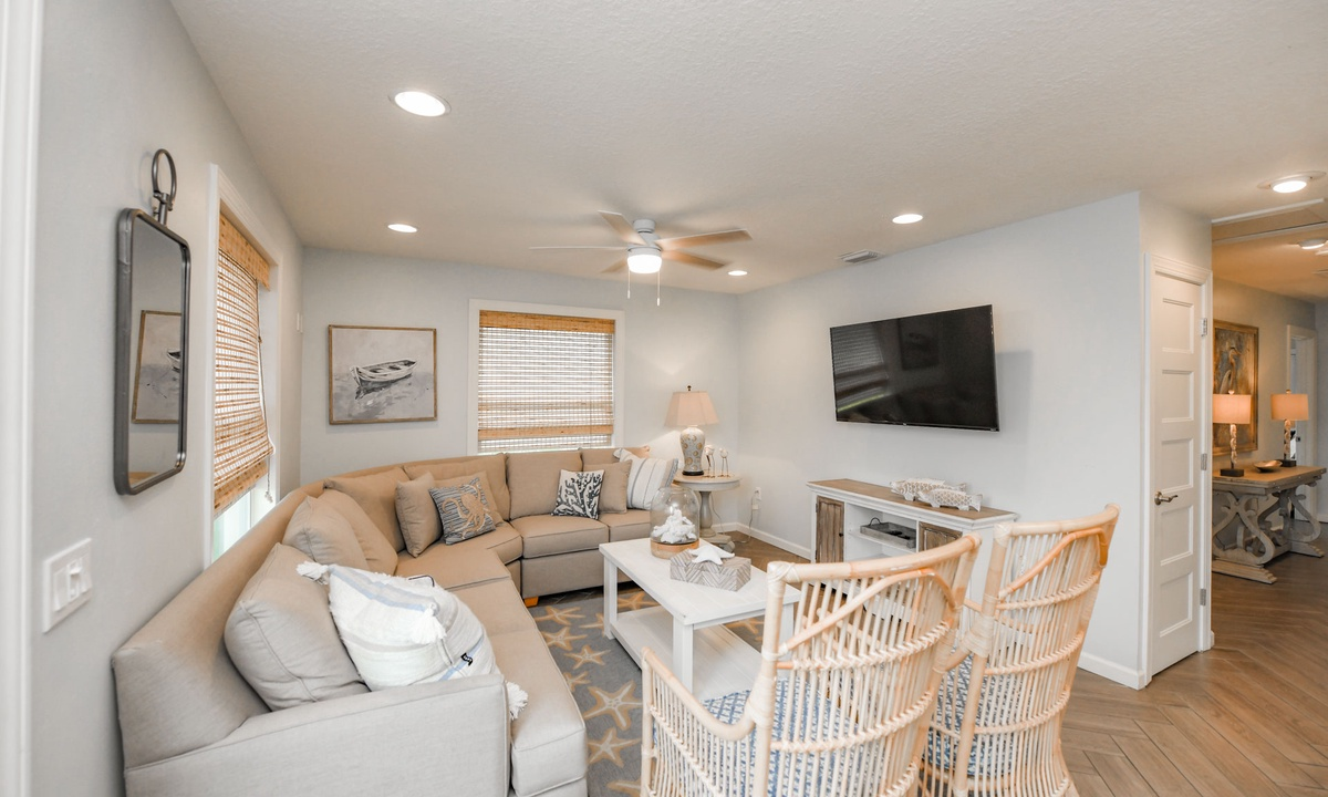 Living Room, Bimini Breeze - AMI Locals