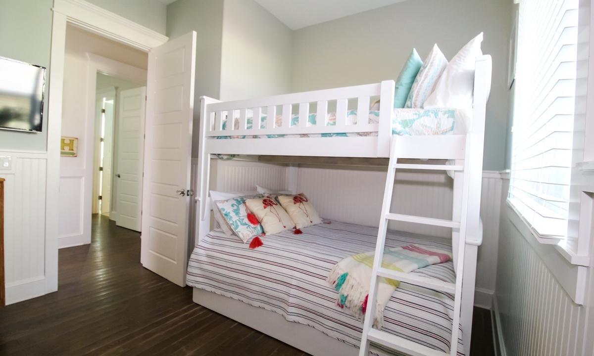 Bedroom 2, Blue Bay - AMI Locals