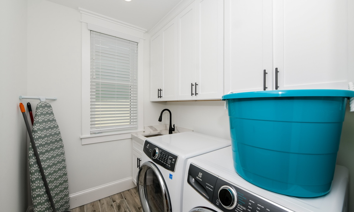 Laundry Room, Gulf Horizons - AMI Locals