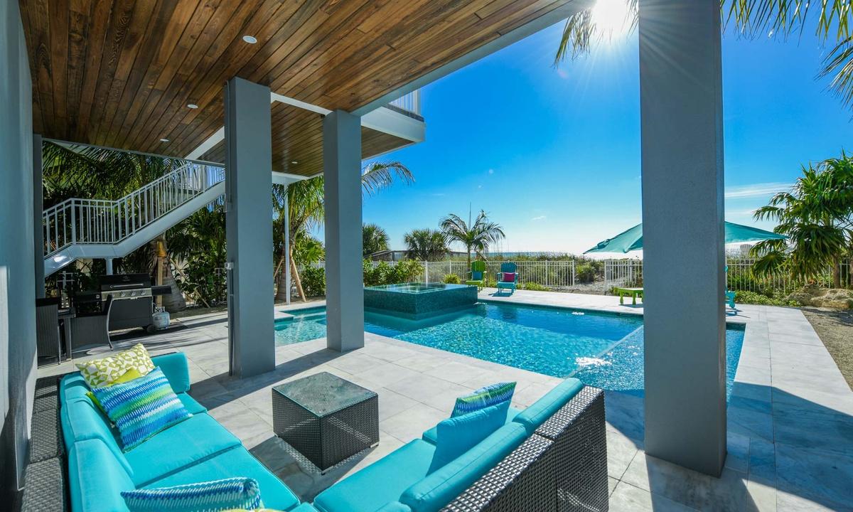 Beachfront Pool, Beachfront Paradise - AMI Locals