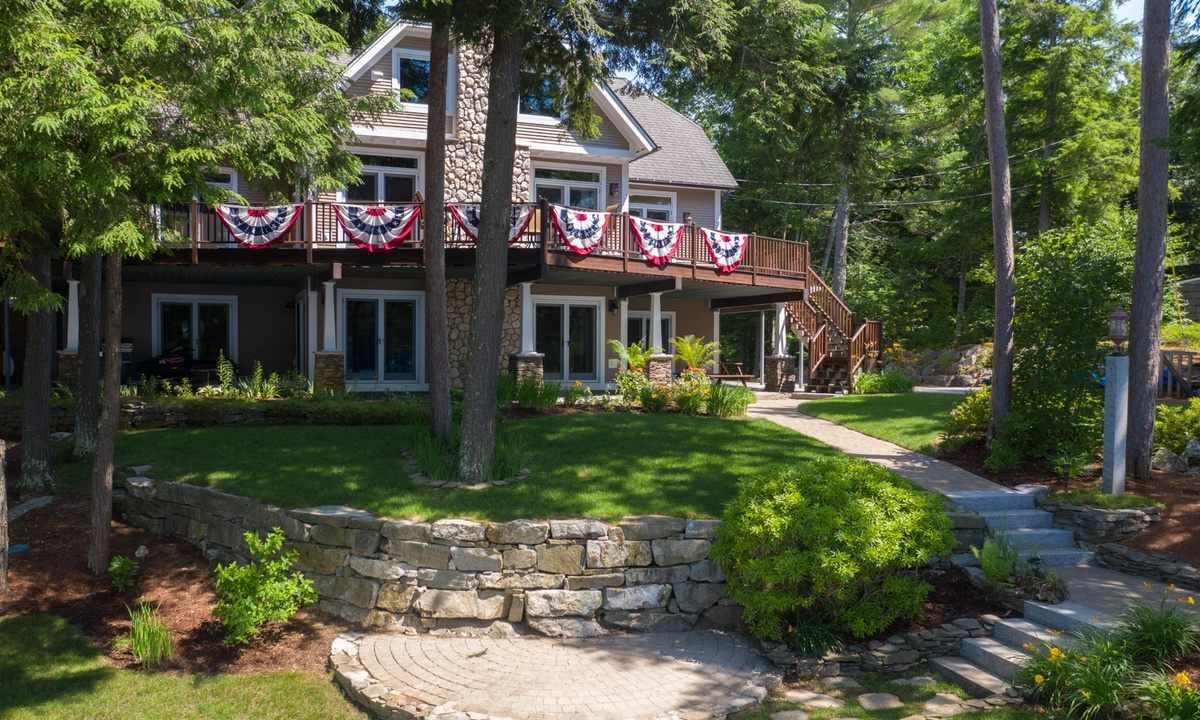LOO46Wfa - Magnificent Luxury Home on Lake Winnisquam