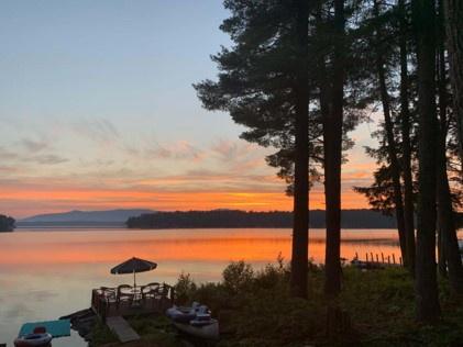 TWO9Wf - Meredith Lakefront Lodge on Lake Winnipesaukee!