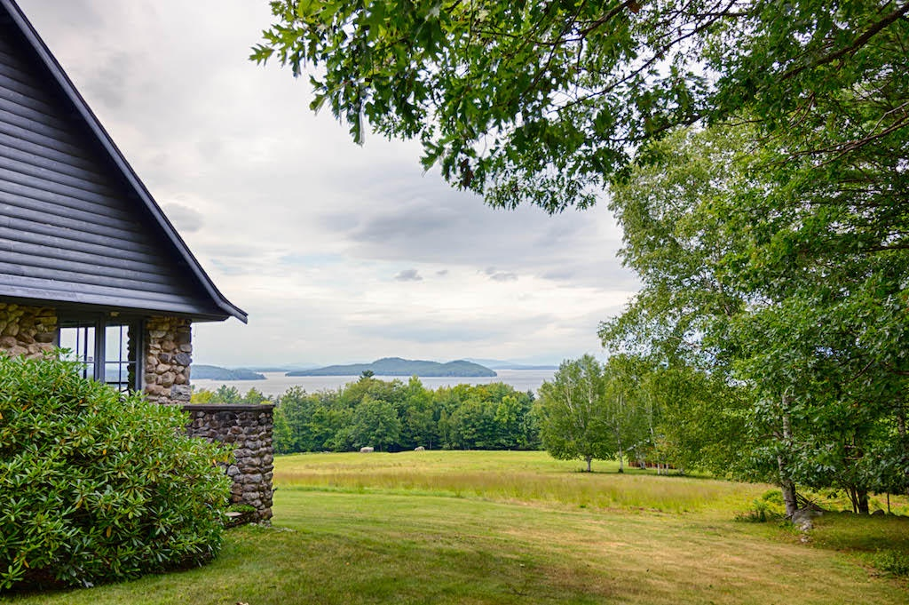 SEE174W - Winnipesaukee Estate with 300' waterfront