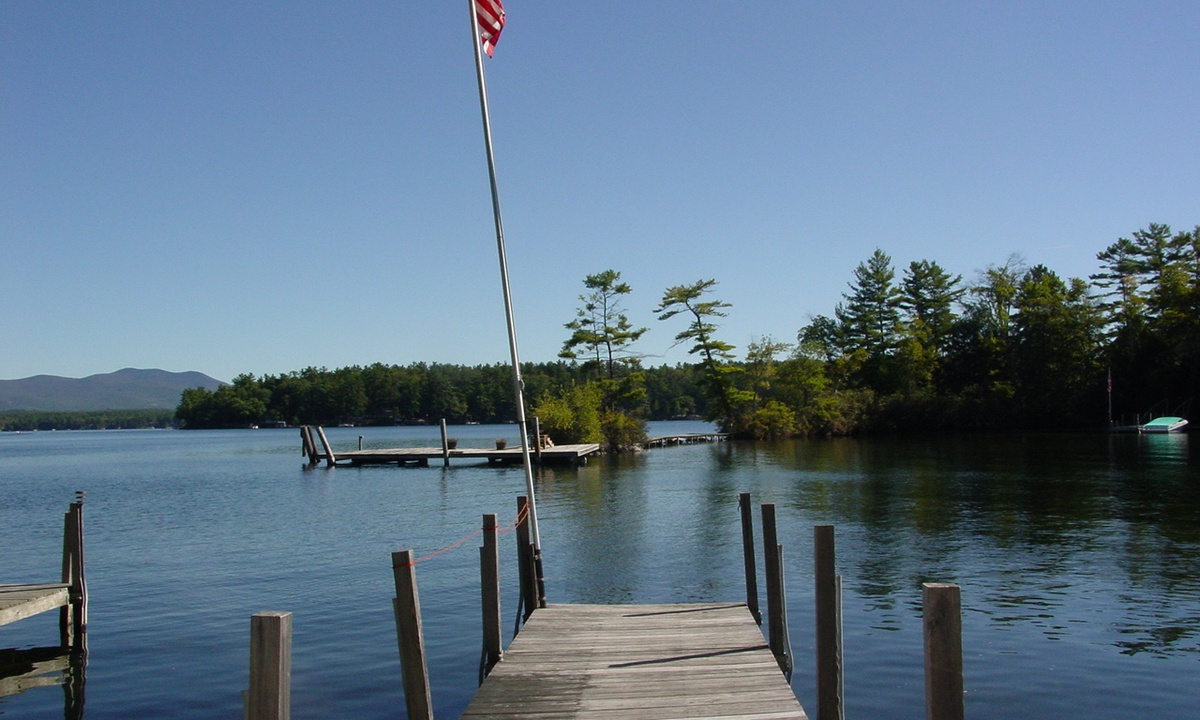 KON133Wf - Lake Winnipesaukee Sandy Beach
