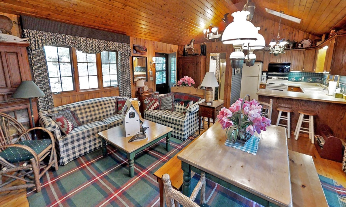 Big Trout Lake Cottage & Bunkhouse