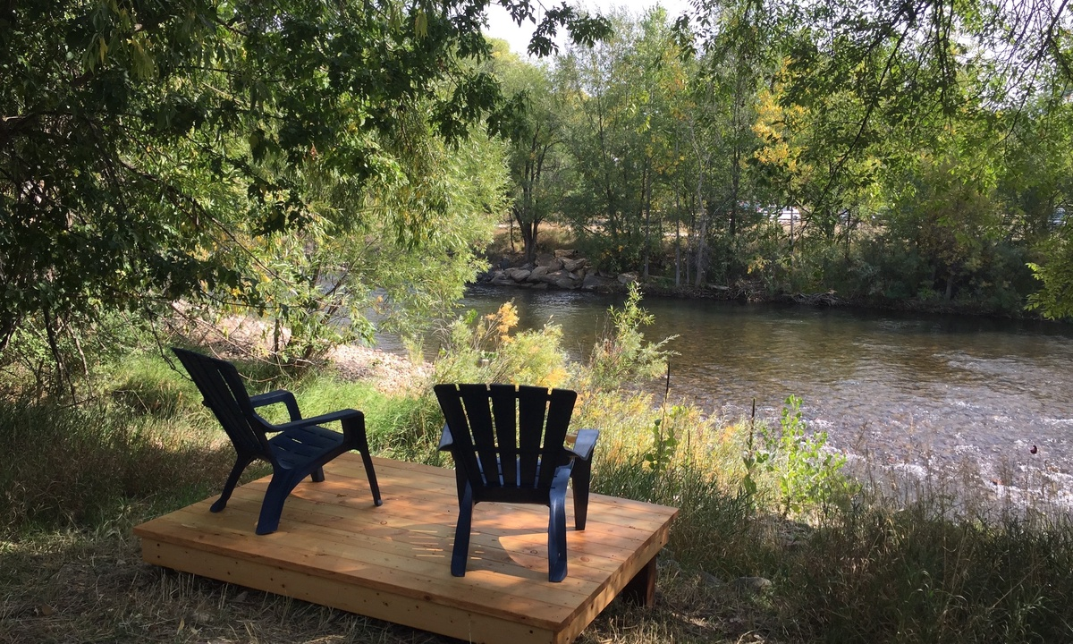 River front deck for your use