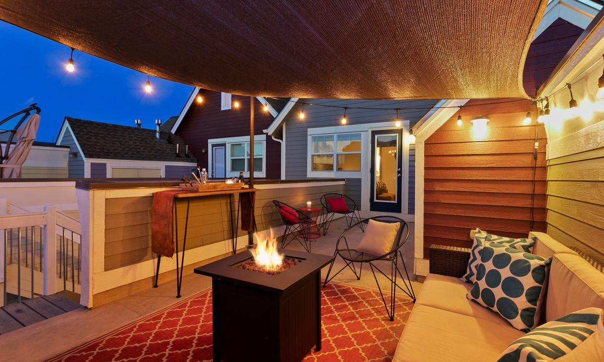 Amazing rooftop deck!