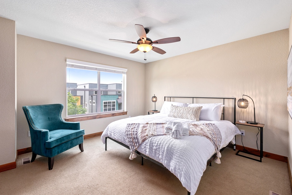 Bedroom 1: King bedroom upstairs