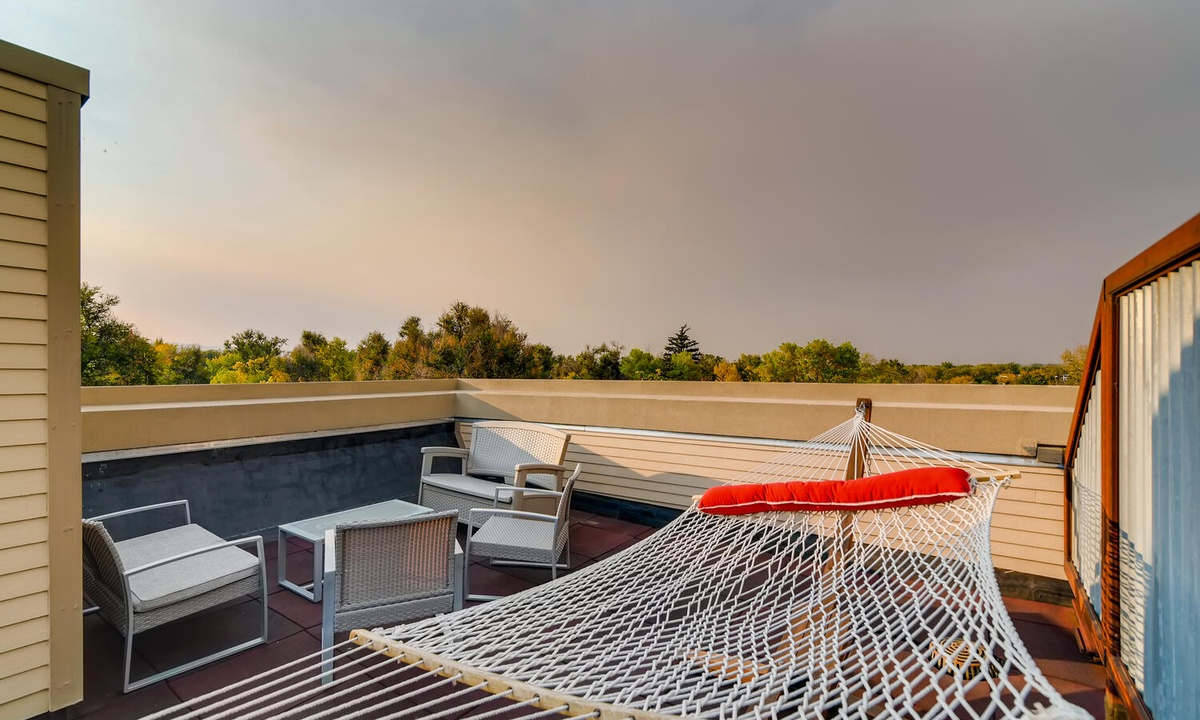 Rooftop deck with hammock