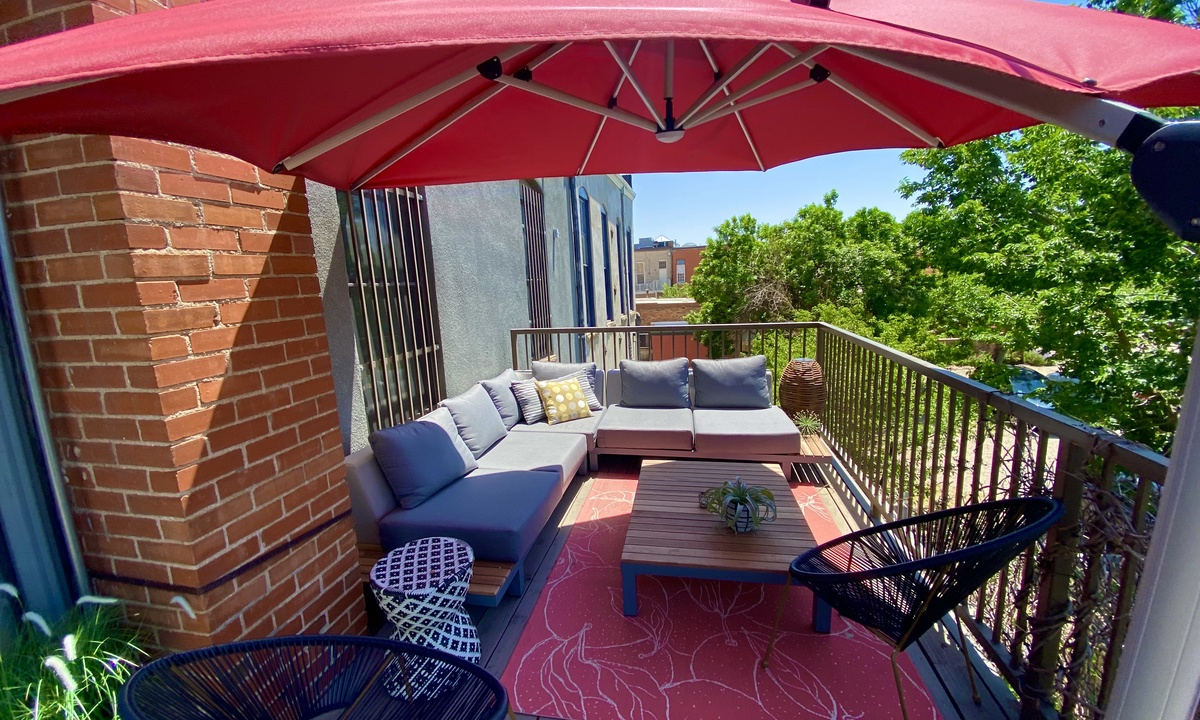 Private Patio Deck with Grill!