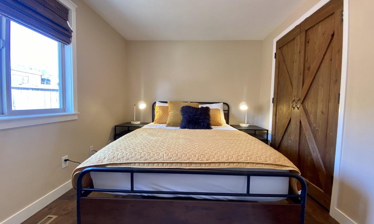 Bedroom 2: Queen on main floor