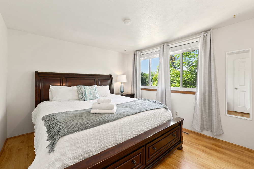 Bedroom 3: King bed (upstairs)