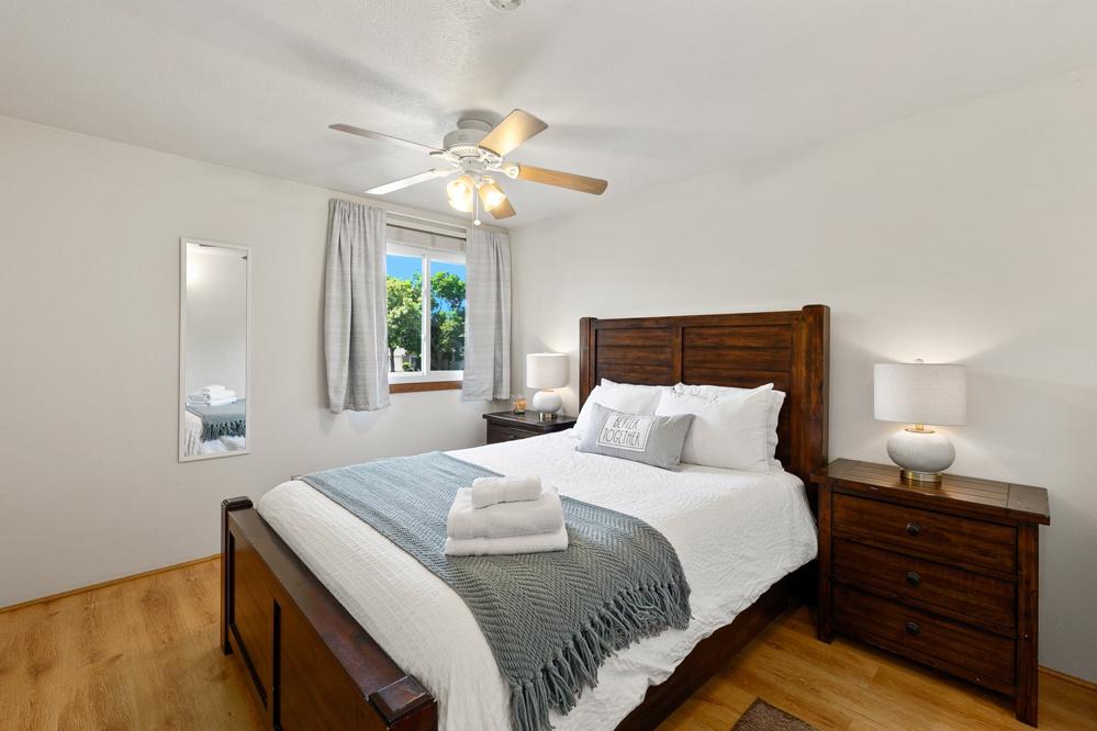 Bedroom 2: Queen Bed (upstairs)