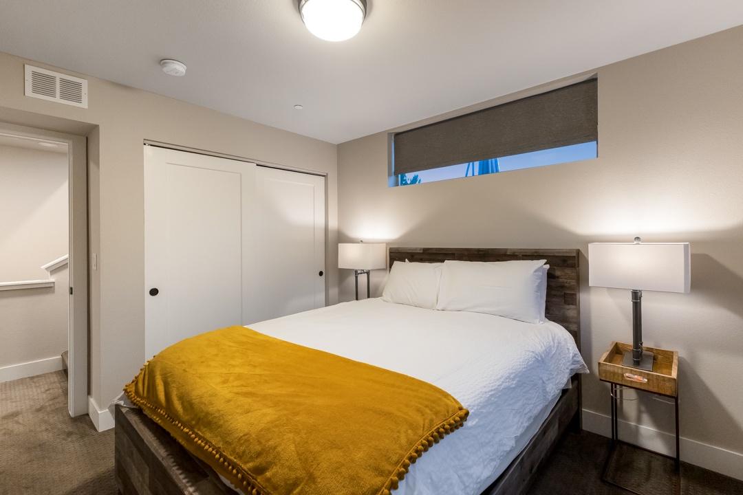 Bedroom 2: Queen, upstairs