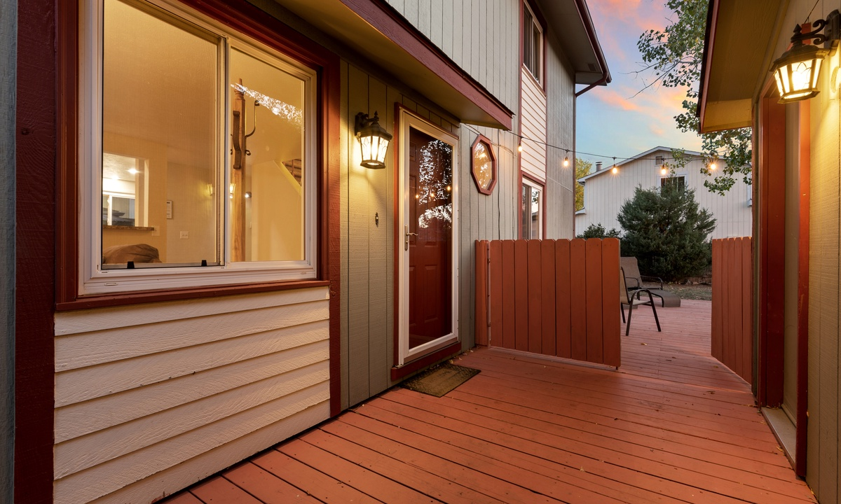 Nice fenced in yard and deck