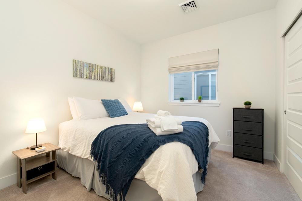 Bedroom 2: Queen bed on second leve
