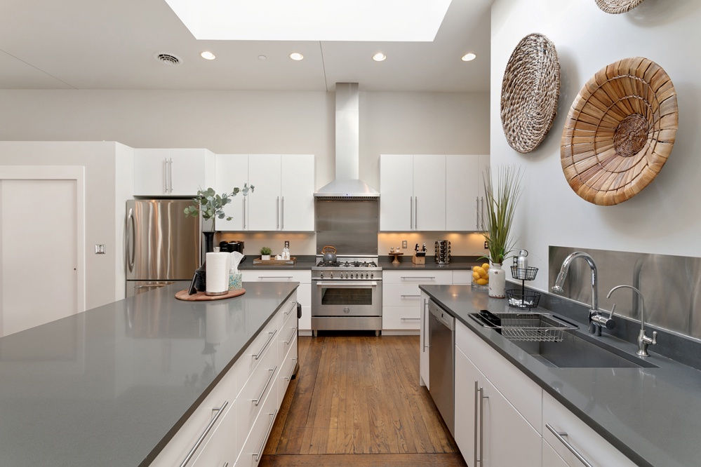 Beautiful Chef's kitchen with stainless steel appliances