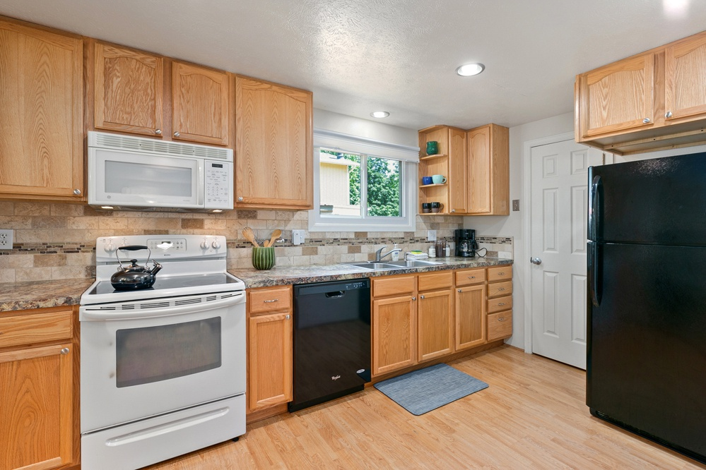 Kitchen with ample space for cooking