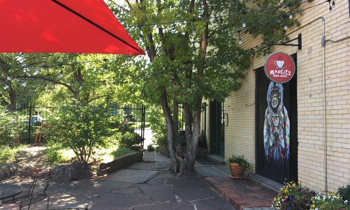 Cozy Retreat | Walk to UNC | FREE Cruiser Bikes | Photo 26